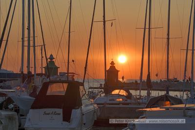 Slowenien, Sonnenuntergang im Hafen von Piran Anfang Oktober 2019