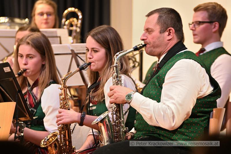 Robert Eppenschwandtner mit Saxophon