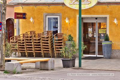 Bereit zum Schanigartenbetrieb Café Leimüller