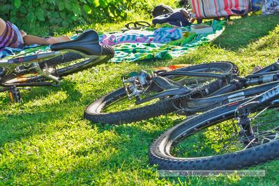 Fahrräder im Strandbad am Wallersee