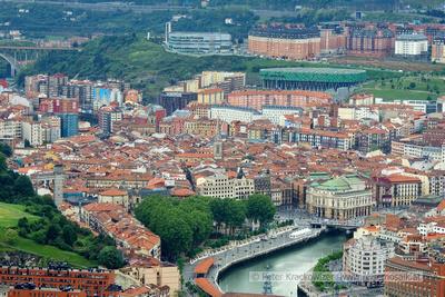 Spanien, Baskenland, Blick vom Aussichtshügel Artxanda auf die Altstadt von Bilbao