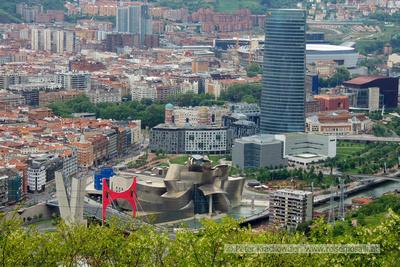 Spanien, Baskenland, Bilbao, Blick vom Aussichtshügel Artxanda zum Guggenheim-Museum
