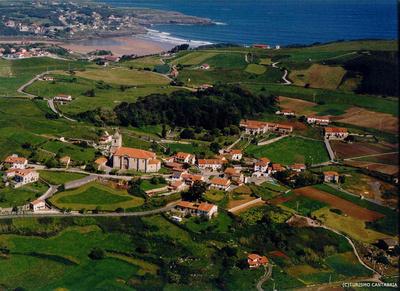die Altstadt von Isla, einem Dorf östlich von Santander in der Region Kantabrien © Turismo Cantabria, Espana