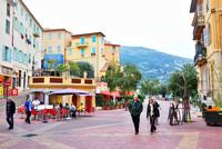 Frankreich, Riviera Côte d'Azur, Menton, am Place du Cap mit Blick in Richtung Italien